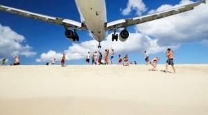 avion maho beach