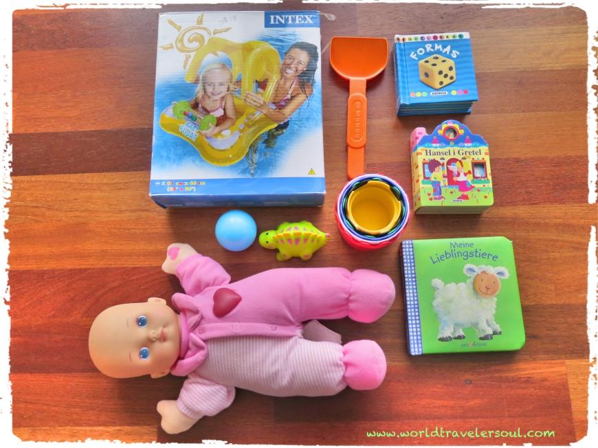 Flotador bebé, libros, muñeco blandito, cubos...