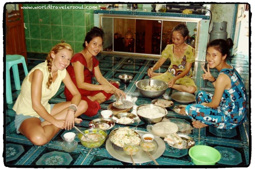 Comida vietnamita en casa de Trang.