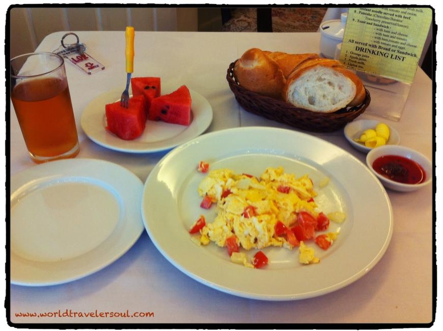 Desayuno completo en el Hostel.