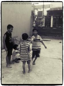 NIños jugando con el sambori.