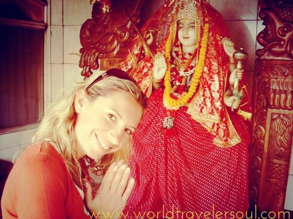 Templo hindú. Me encanta observar, preguntar y empaparme de su cultura y religión.